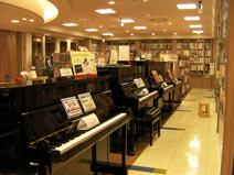 スガナミ楽器多摩店ココリアプレミアムセール