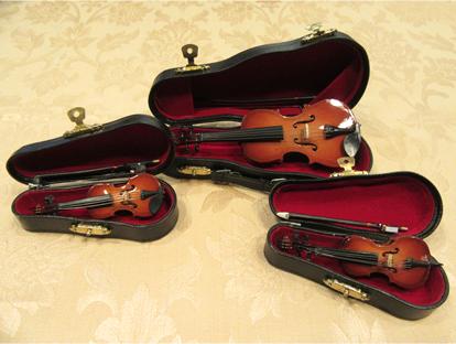 ミニチュア楽器(木製スタンドケースつき)