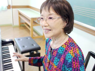 シニアピアノ好評受付中、はじめてピアノをはじめるシニアのかたへ