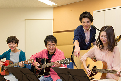 ヤマハ大人の音楽レッスンアコースティックギター