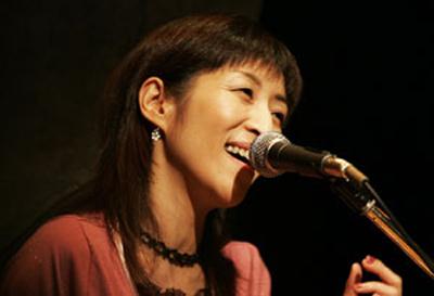 会田靖子講師