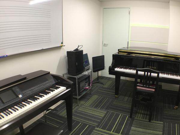 """""""ピアノ部屋"""